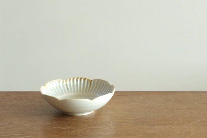 しのぎ輪花鉢(4寸)/灰釉 水谷和音
