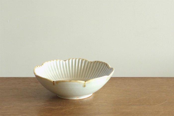 しのぎ輪花鉢(5寸)/灰釉 水谷和音