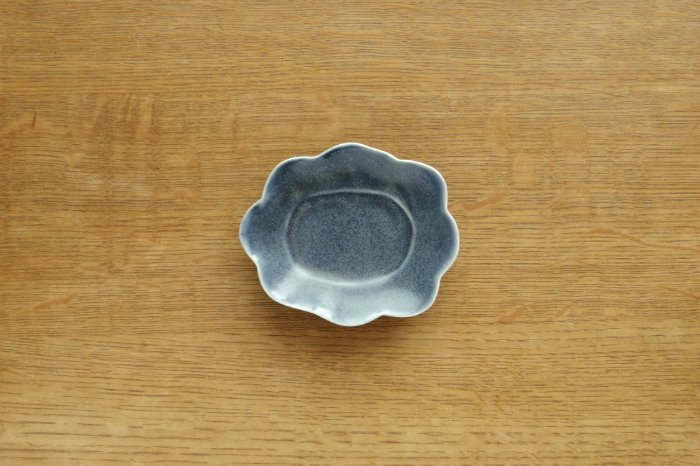 変形小皿/薄ルリ釉 水谷和音