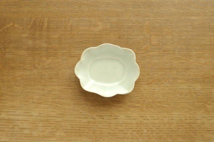 変形小皿/灰釉 水谷和音