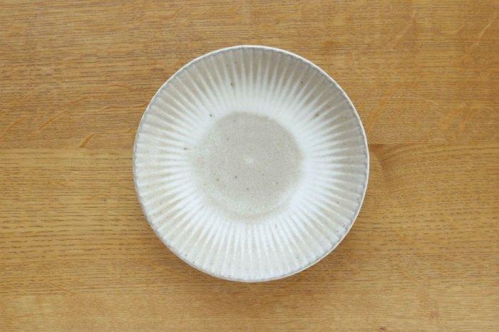 まる菊6寸皿/グレー たくまポタリー