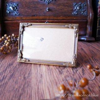 まろやかなガラスに包まれた小さな世界 / Vintage Denmark Photo Frame with Convex Glass