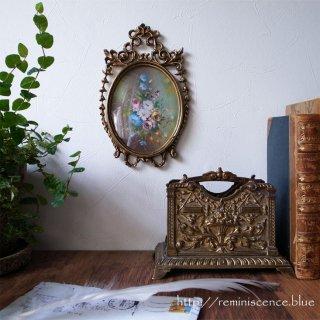 エレガントなフォルムに縁取られた優し気な花々 / Antique Neo-Classical Style Oval Art Frame