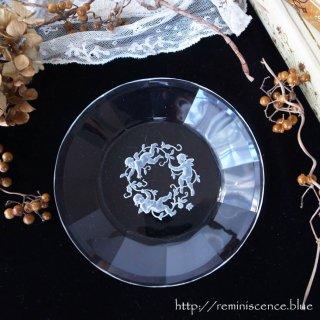 ボヘミアの空に舞う天使のプレートB / Antique Czech  Angel Art Glass Plate Designed by Heinrich Hoffmann