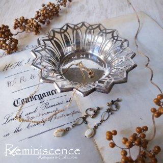 世紀を超えた銀の花 / Antique Silver Plated Round Dish-1