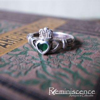 愛と友情と忠誠を小指に絡めて / Vintage Sterling Silver Claddagh Ring