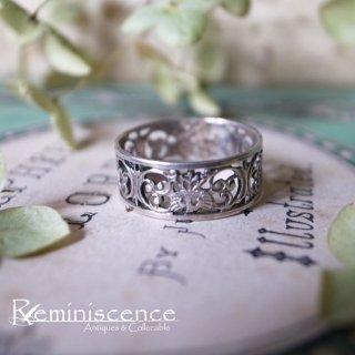 優雅で軽やかなクラシカル / Vintage  Silver 800 Pierced Carved Ring