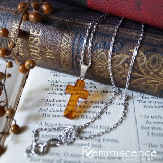 太陽のかけらを胸に /Vintage Baltic Amber Small Christian Cross with Silver Chain