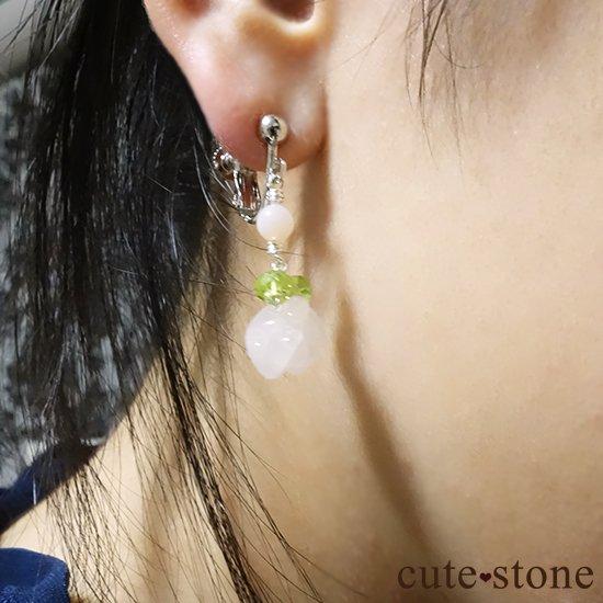 【薔薇の耳飾り】ローズクォーツ ペリドット ピンクオパールを使ったピアス イヤリングの写真2 cute stone