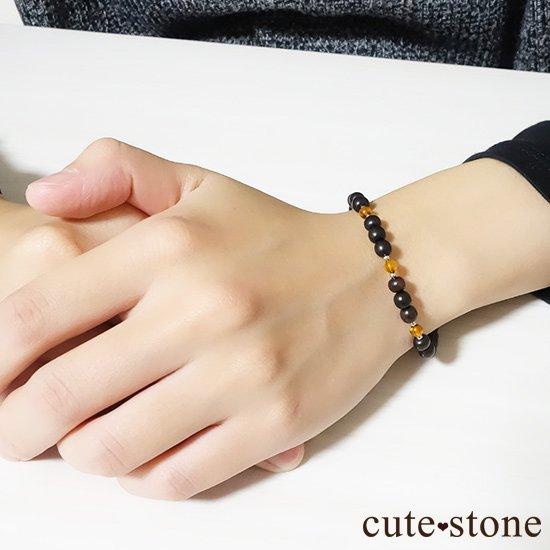 【森と海の恵み】アンバー(琥珀)と黒檀のブレスレットの写真2 cute stone