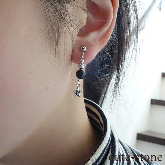 【小さな星の子】サハラNWA869(コンドライト隕石)を使ったピアス イヤリングの写真3 cute stone