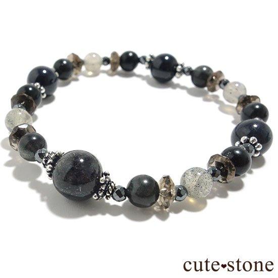 【Cosmo bracelet】ブラックルチルクォーツ ブラックスキャポライト サファイア ラブラドライトのブレスレットの写真0 cute stone