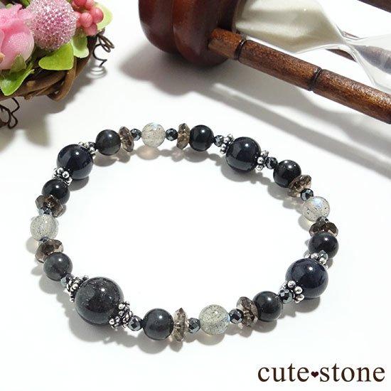 【Cosmo bracelet】ブラックルチルクォーツ ブラックスキャポライト サファイア ラブラドライトのブレスレットの写真3 cute stone