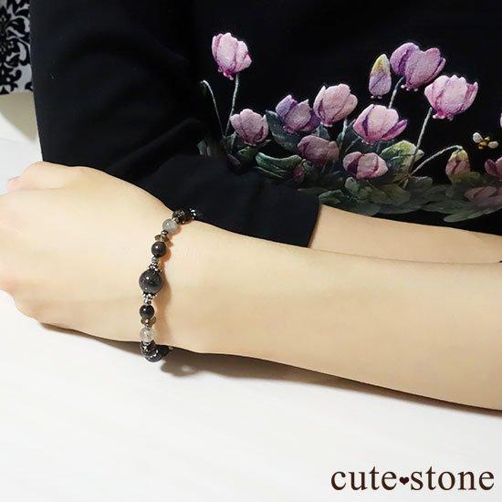 【Cosmo bracelet】ブラックルチルクォーツ ブラックスキャポライト サファイア ラブラドライトのブレスレットの写真5 cute stone