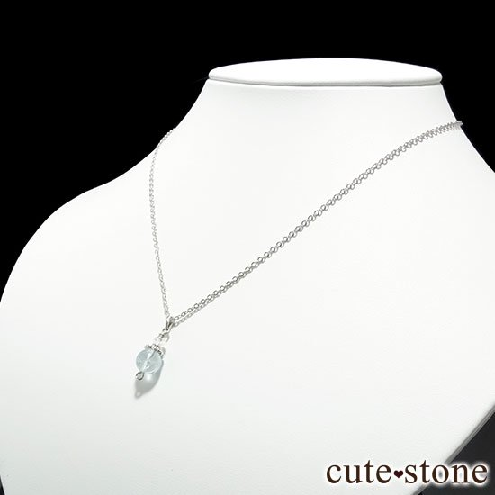 【Birthday Necklace 3月】 アクアマリンと水晶で作った誕生石ネックレスの写真1 cute stone