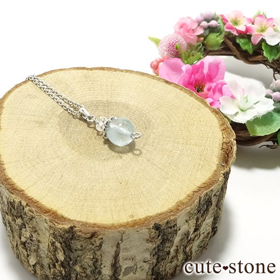 【Birthday Necklace 3月】 アクアマリンと水晶で作った誕生石ネックレスの写真2 cute stone