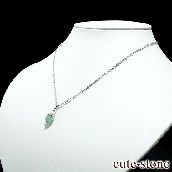 【Birthday Necklace 5月】 エメラルドと水晶で作った誕生石ネックレスの写真1 cute stone
