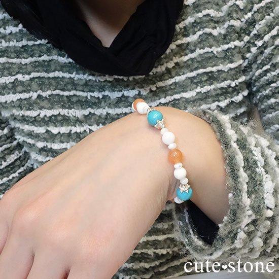 【Sunny sky】ターコイズ アプリコットアゲート ホワイトシェル マザーオブパールのブレスレットの写真7 cute stone