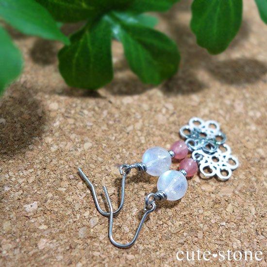 【春風】 インカローズ レインボームーンストーンのピアス イヤリングの写真2 cute stone