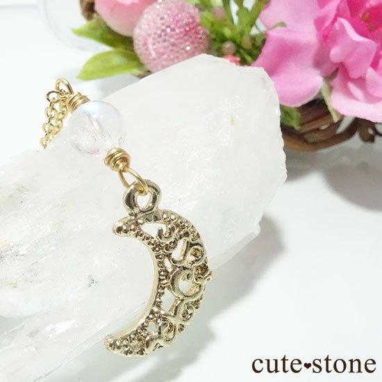 【Luna Magic】 レインボームーンストーンの三日月ネックレスの写真2 cute stone