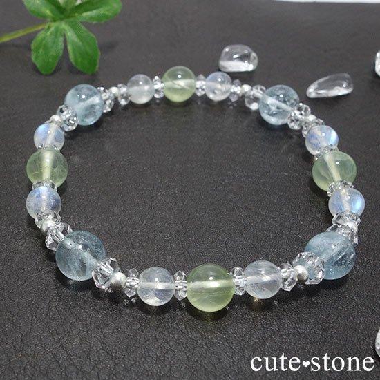 【春風 〜新緑〜】アクアマリン プレナイト レインボームーンストーンのブレスレットの写真0 cute stone