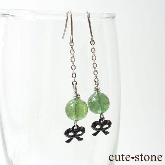 【新緑の玉】グリーンアパタイトのピアス(イヤリング)