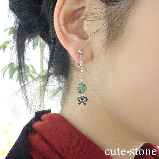【新緑の玉】グリーンアパタイトのピアス(イヤリング)の写真2 cute stone