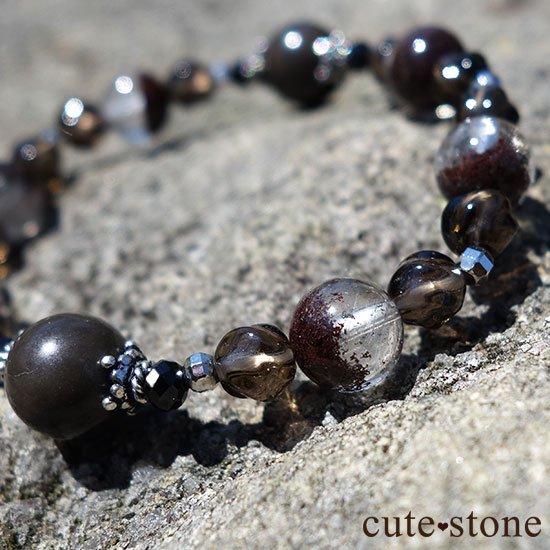 【大地の神秘】シャーマナイト ガーデンクォーツ ブラックスピネル スモーキークォーツのブレスレットの写真1 cute stone