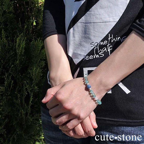 【水の紋章】カイヤナイト ブルーアパタイト レインボームーンストーンのブレスレットの写真7 cute stone