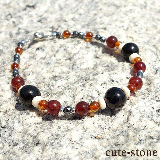 【古の刻印】ジェット ヘソナイト アンバー リバーストーン ヘマタイトのブレスレットの写真6 cute stone