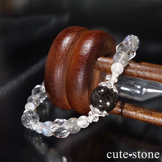 【1周年記念 memorial】ブラックルチル スティブナイトインクォーツ レインボームーンストーン ラブラドライトのブレスレットの写真1 cute stone