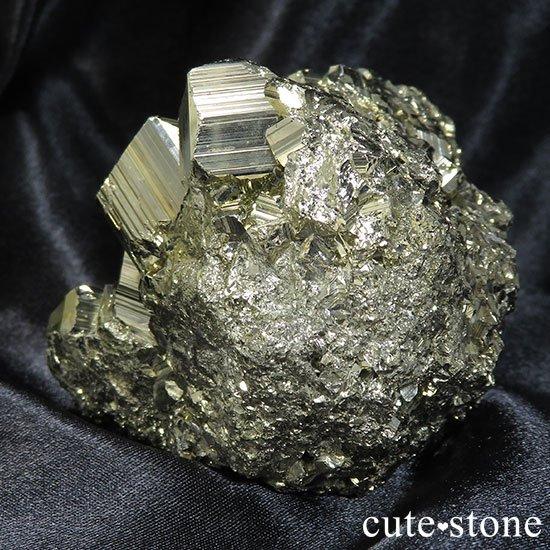 ペルー ワンサラ鉱山産 パイライトのクラスターの写真2 cute stone