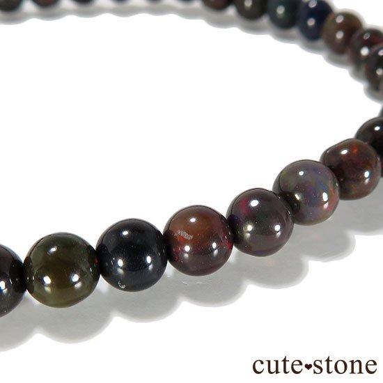 エチオピア産プレシャスオパール(ブラックカラー) AA++ ラウンド5mm シンプルブレスレットの写真2 cute stone