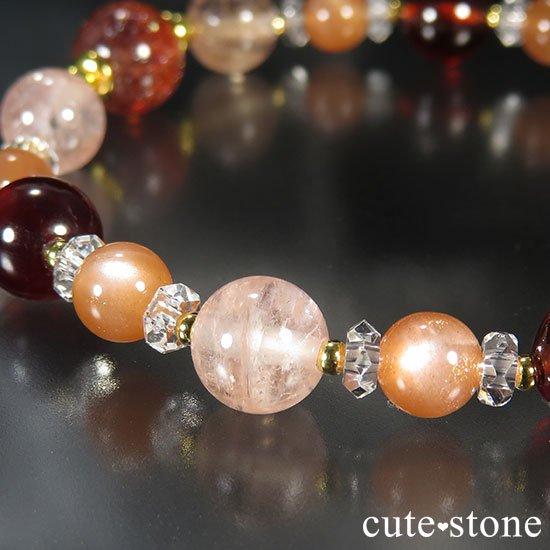 【煌めきの秋】ファイアークォーツ モルガナイト ヘソナイト オレンジムーンストーンのブレスレットの写真2 cute stone