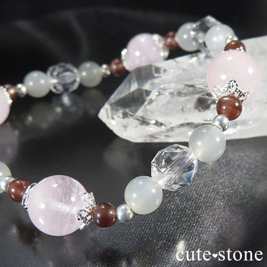 【淡色小町】モルガナイト グレームーンストーン レッドスキャポライトのブレスレットの写真3 cute stone