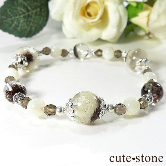 【Snow globe】 ホワイトガーデンクォーツ ガーデンクォーツ スモーキークォーツ マザーオブパール 水晶のブレスレットの写真0 cute stone