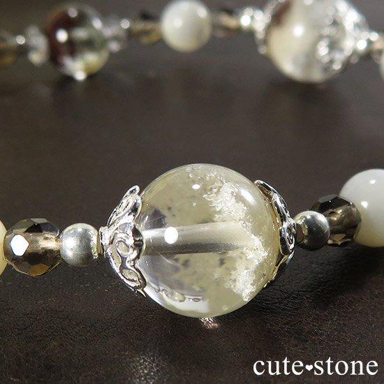 【Snow globe】 ホワイトガーデンクォーツ ガーデンクォーツ スモーキークォーツ マザーオブパール 水晶のブレスレットの写真1 cute stone