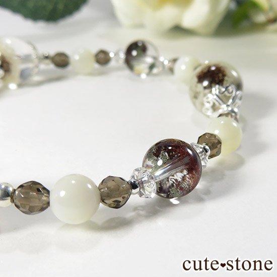 【Snow globe】 ホワイトガーデンクォーツ ガーデンクォーツ スモーキークォーツ マザーオブパール 水晶のブレスレットの写真3 cute stone