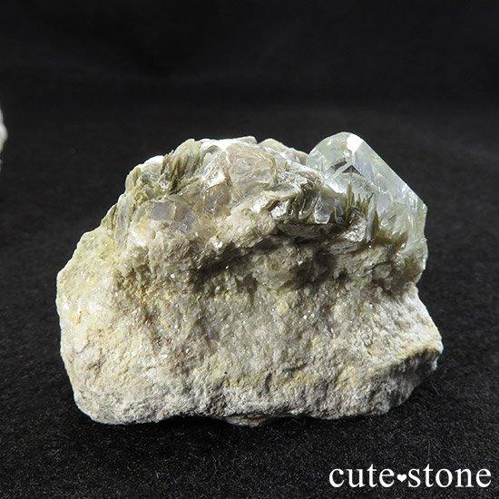 パキスタン産アクアマリンの母岩付き原石 77gの写真1 cute stone