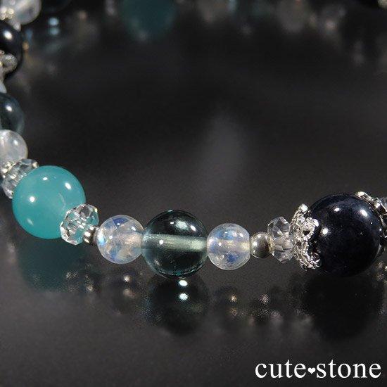 【流氷浪漫】 ブルーサファイア アイスアマゾナイト ブルーフローライト レインボームーンストーンのブレスレットの写真0 cute stone