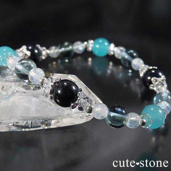 【流氷浪漫】 ブルーサファイア アイスアマゾナイト ブルーフローライト レインボームーンストーンのブレスレットの写真2 cute stone