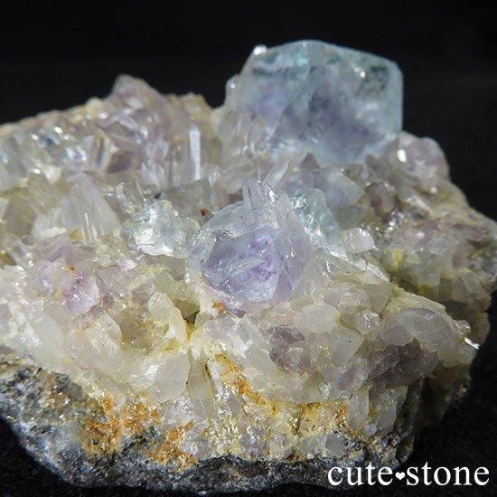 内モンゴル産 フローライトと水晶の共生標本(原石)の写真4 cute stone