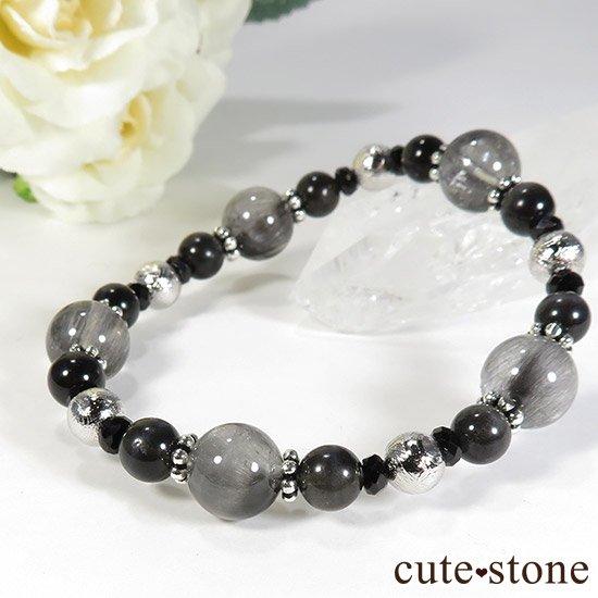 【Cosmo bracelet】プラチナクォーツ ムオニナルスタ ブラックスキャポライト ブラックスピネルのブレスレットの写真4 cute stone