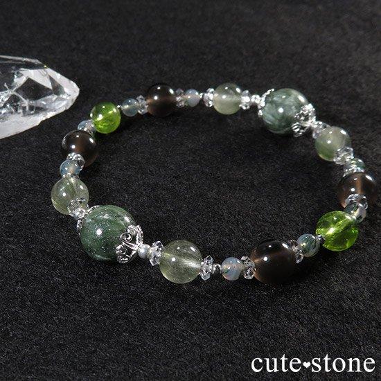 【緑の王】 セラフィナイト アクチノライトインクォーツ ペリドット レインボーオブシディアン モスアゲートのブレスレットの写真4 cute stone