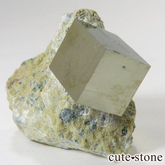 パイライトの母岩付き原石(キュービックパイライト) 43gの写真0 cute stone