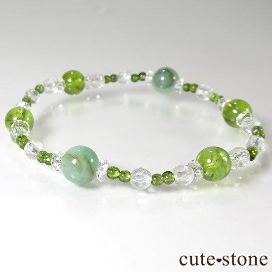 【新芽の季節】 エメラルド ペリドット グリーントルマリンのブレスレットの写真1 cute stone