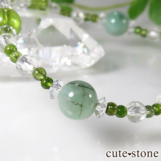 【新芽の季節】 エメラルド ペリドット グリーントルマリンのブレスレットの写真2 cute stone