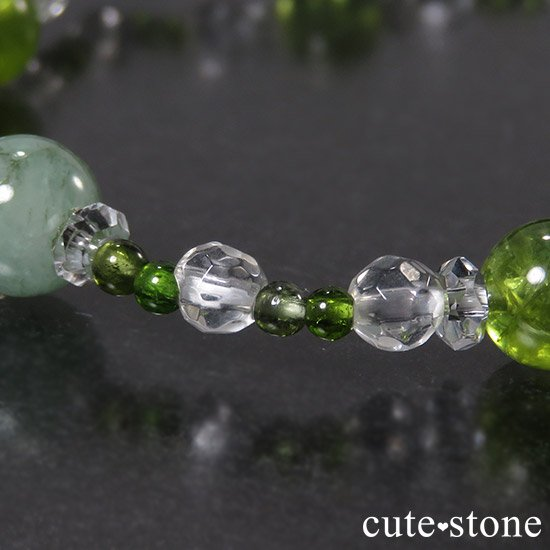 【新芽の季節】 エメラルド ペリドット グリーントルマリンのブレスレットの写真4 cute stone