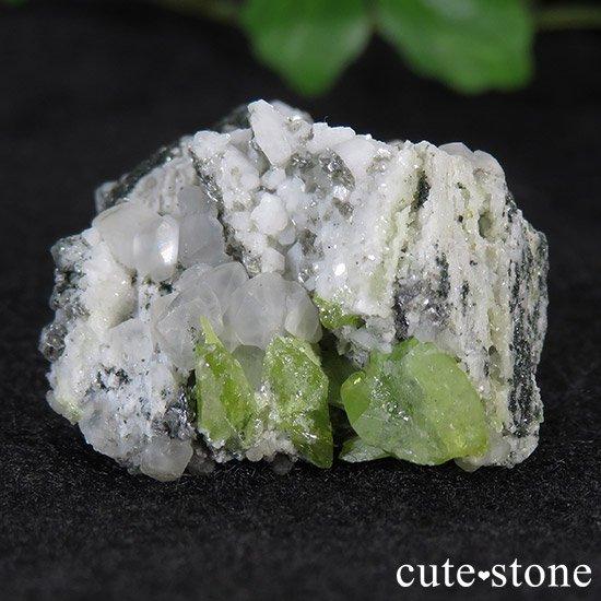 スフェーンの母岩付き原石 14.9g