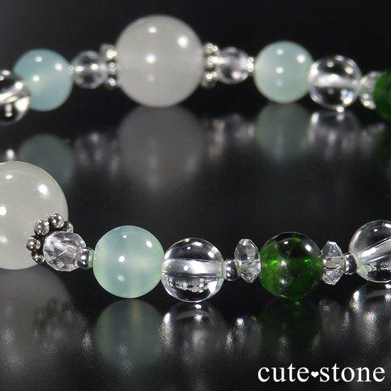 【新芽の季節】 翡翠 クロムダイオプサイト グリーンカルサイト 水晶のブレスレットの写真1 cute stone